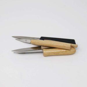 Knive, nåle og hulskærere